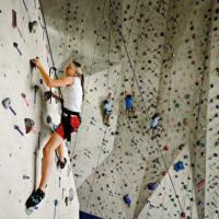 8 Reasons Why You Should Try Rock Climbing